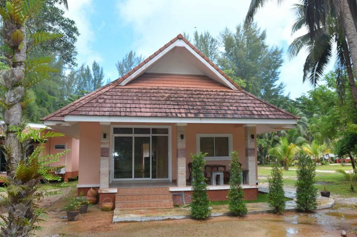 Family bungalow at the beach in Khao Lak