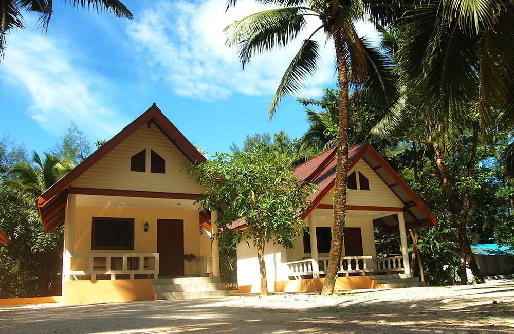 2 bungalows near Khao Lak beach