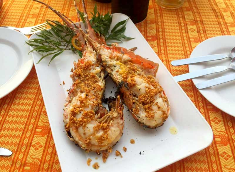 Fresh seafood at Ao Thong Beach